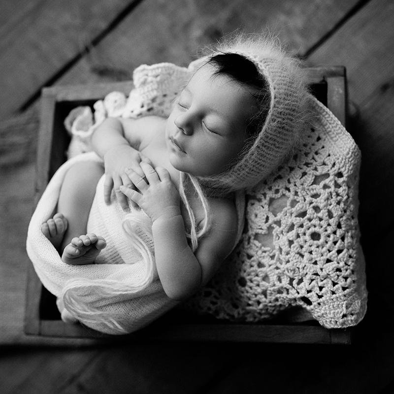 Bensőséges újszülött fotózás