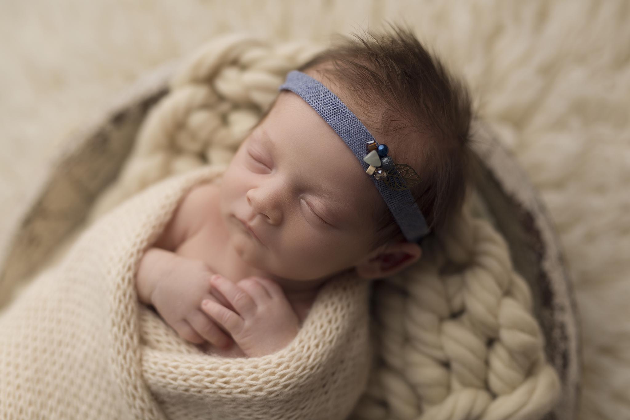 Újszülött fotózás Adél